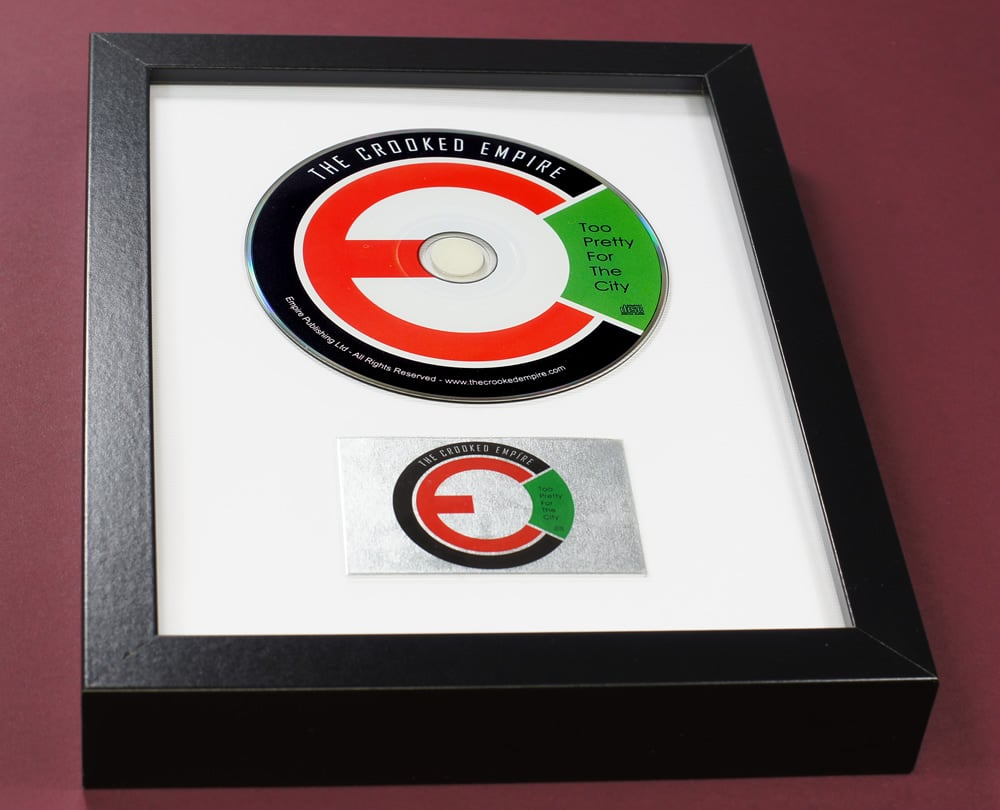 Small format CD frame with a single disc