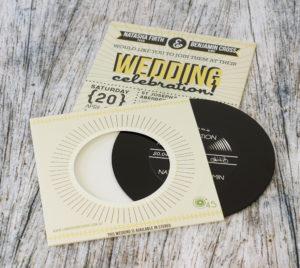 wedding-invitation-vinyl-cd-record-style-wallet-7