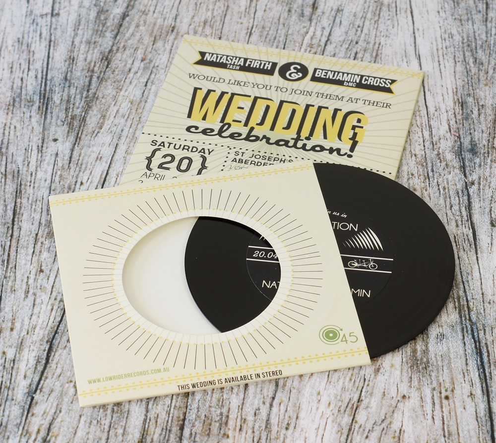 wedding-invitation-vinyl-cd-record-style-wallet-7