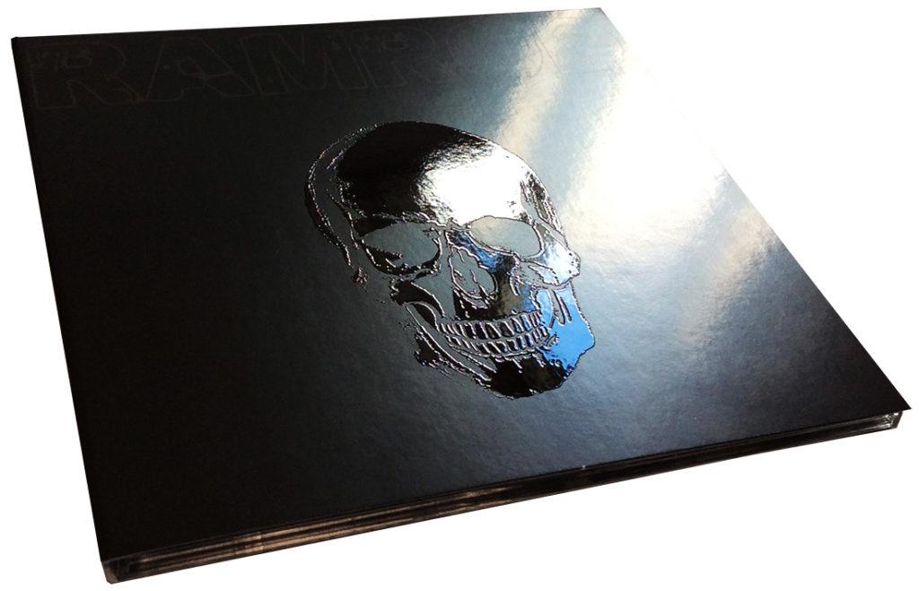 Spot gloss clear UV printing on a CD digipak