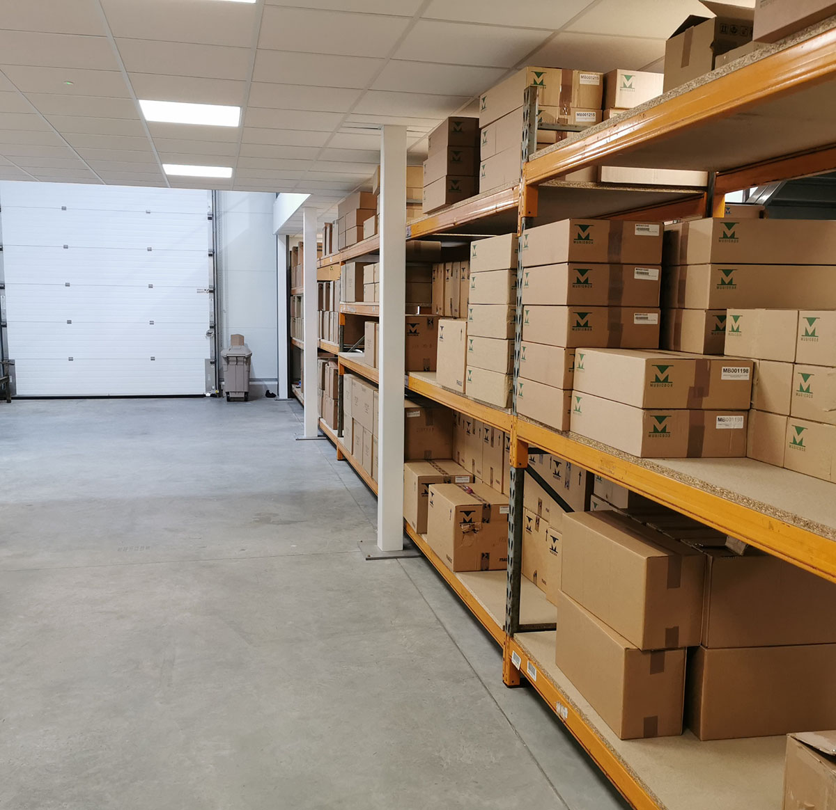 Storage and pallet-in area