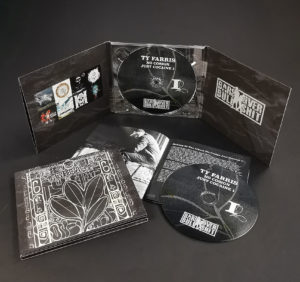 Six page CD digipak with gloss lamination, booklet and 4/4 printing to cover the inner spines