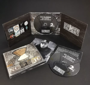 Six page CD digipak with gloss lamination and 4/4 printing to cover the inner spines